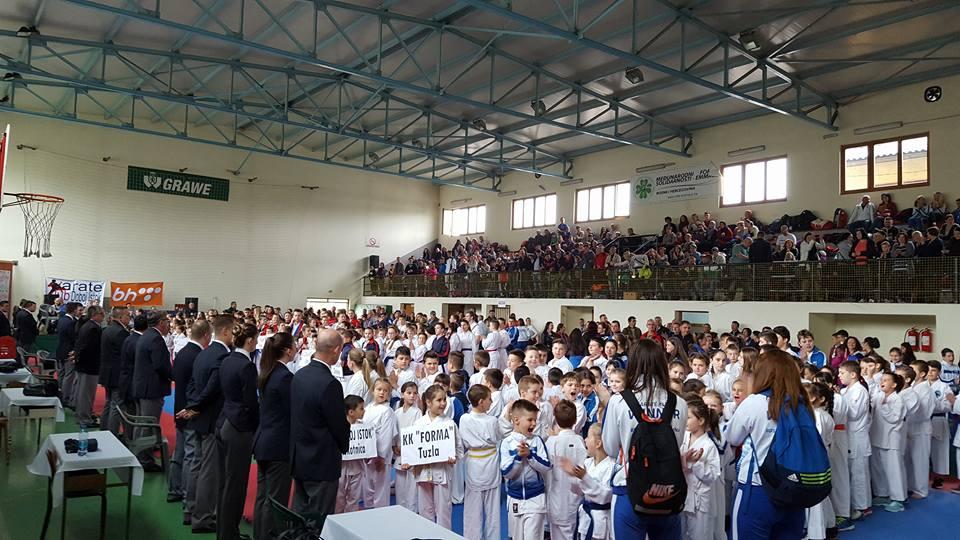 Karate klub Tešanj uspješan na turniru u Klokotnici.