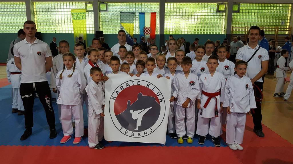 Karate klub Tešanj na turniru u Gračanici.