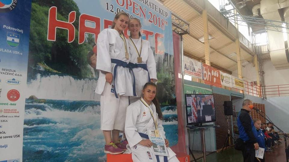 """Karate klub """"Unija"""" Tešanj uspješan na turnirima u Bihaću i Usori."""