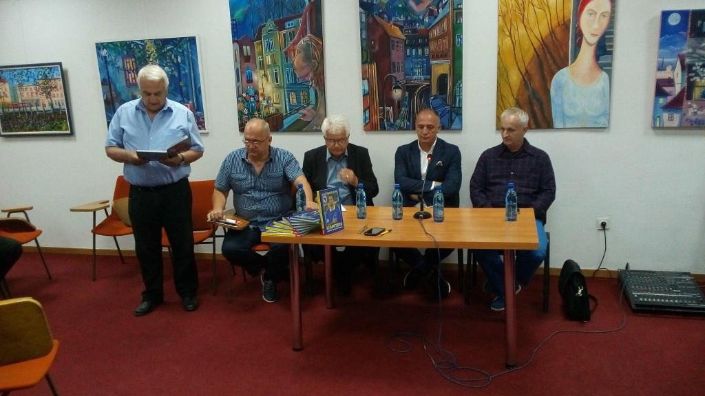"""Promocija knjige """"Kapiten jednog teškog vremena"""" autora Vlatka Glavaša."""